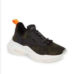 Steve Madden MYLES CAMOUFLAGE Sneaker 6.5